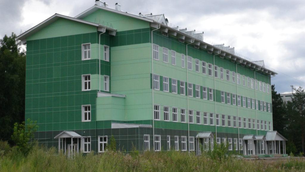 Пустующее здание по ул. Восточной. Хозяйственное ведение Клинической больницы № 51. Год постройки 2015.