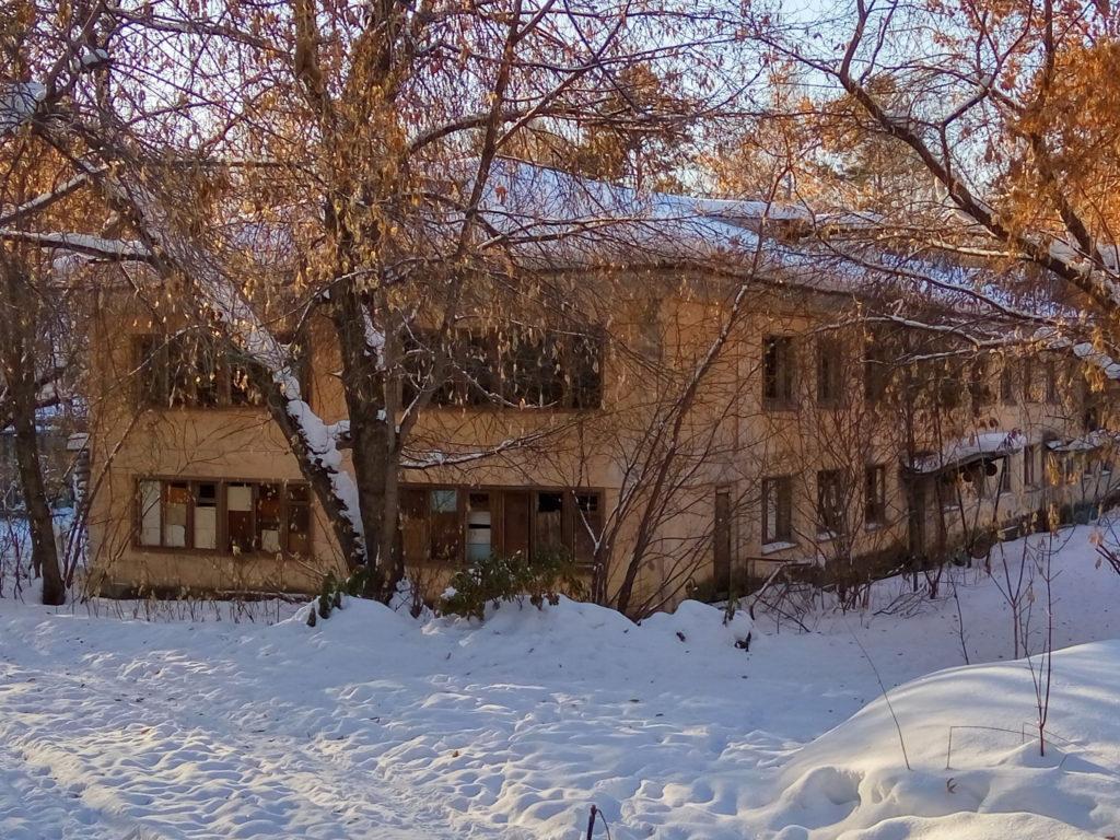 Заброшенное здание детского сада по ул. Восточная